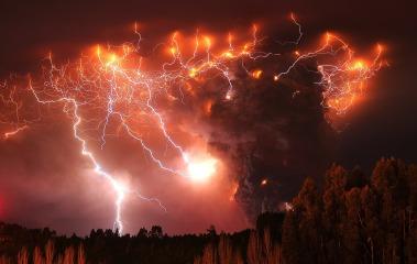 volcanoandlightning