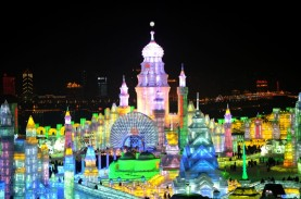harbin_ice_festival_palace2
