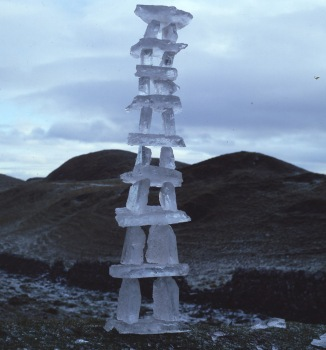 andy_goldsworthy_ice_hengetower
