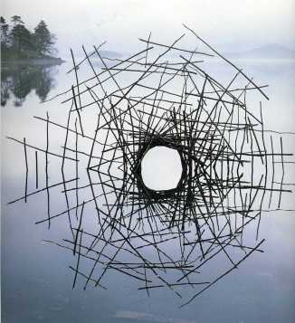 andy_goldsworthy_reflected_portal