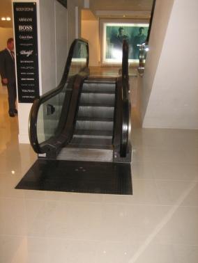 lamest_escalator_ever