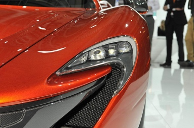 mclaren_headlight