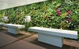 vert_garden_bathroom
