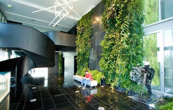 vert_garden_foyer