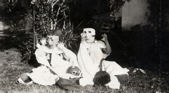 vintage_halloween_claws