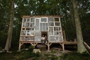 reclaimed_glass_house
