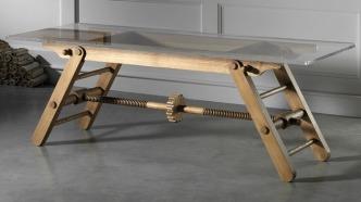 adjustable_height_table