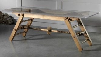 adjustable_height_table