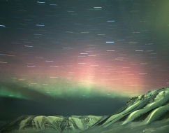 reuben_wu_aurora_borealis_svalbard