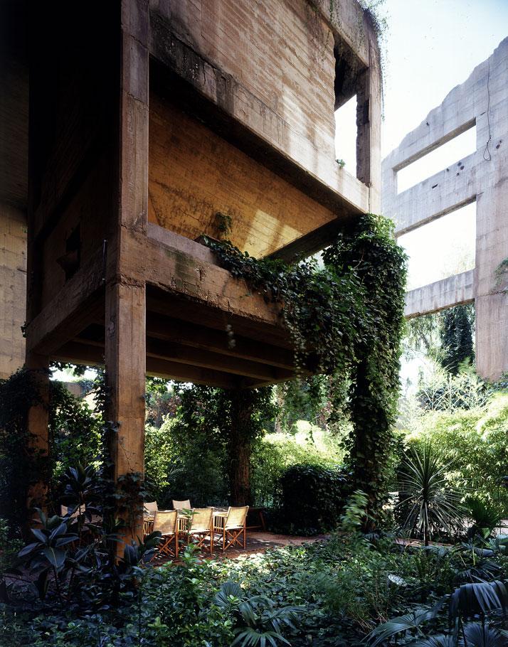 ricardobofill_cement_factory_exterior