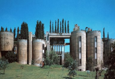 ricardobofill_cement_factory_transform